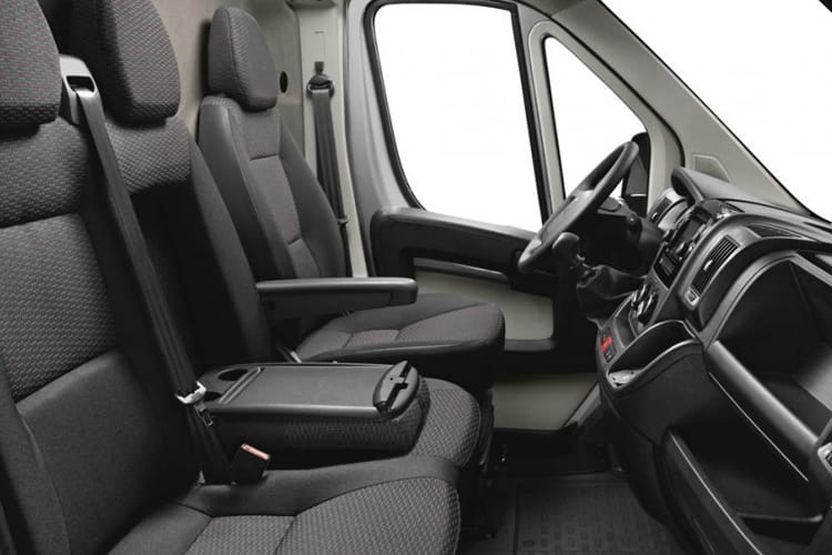 Peugeot Boxer 335 L3 2.2 BlueHDi FWD 165PS Built for Business Plus Tipper Double Cab Manual [Start Stop] inside view